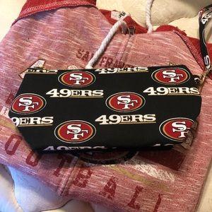 Handbags - ⭐️San Francisco 49er Women's Fabric Wristlet 🏈